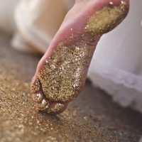 inspiration glitter gold- via Pintrest